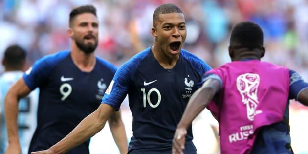 Kylian Mbappe foi o grande nome da seleção francesa: 2 gols e grande atuação contra a Argentina.