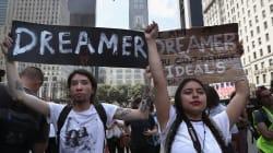 Des manifestants contestent la fin du programme des