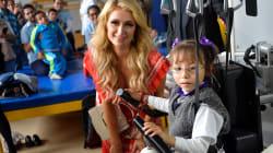 Lo que hay detrás de la visita de Paris Hilton al