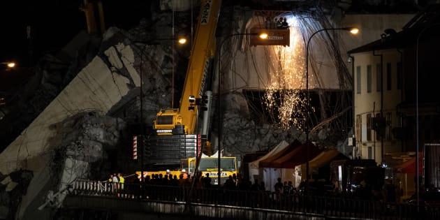 À Gênes, les recherches continuent, encore 10 à 20 personnes portées disparues