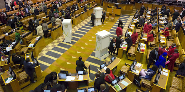 Parliamentary officers prepare to vote on the motion of no confidence against South African President Jacob Zuma in August 2017.