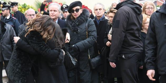 17/02/2018 Baricella chiesa di santa Maria funerali di Bibi Ballandi in foto Alba Parietti Milly Carlucci