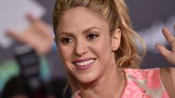 Shakira se convierte en un mago con todo y