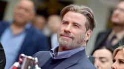 John Travolta toglie il parrucchino e i fan apprezzano il nuovo