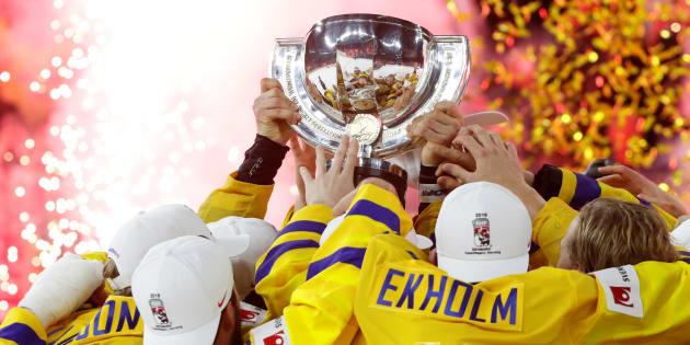Les Suédois célèbrent leur victoire.