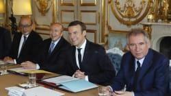 Revivez la première arrivée du gouvernement à l'Élysée pour le Conseil des