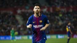C'è la firma del contratto: il calciatore del Barcellona Leo Messi vale la cifra stratosferica di 700 milioni di