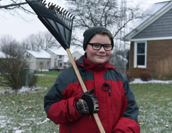 Boy raising money to buy best friend's gravestone