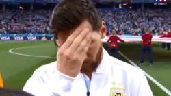 La moue inquiète de Messi avant la défaite de l'Argentine n'est pas passée