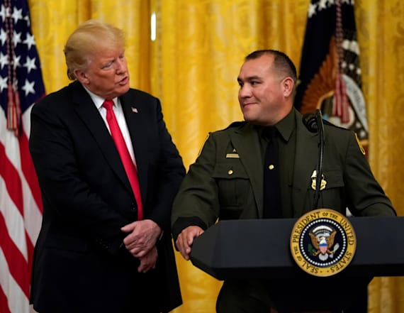 Trump says border agent 'speaks perfect English'