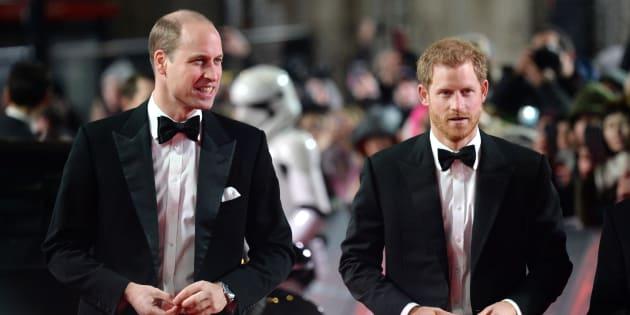 Los príncipes Guillermo y Enrique, en el estreno europeo de 'Star Wars: Los últimos Jedi' en el Royal Albert Hall de Londres el 12 de diciembre de 2017.