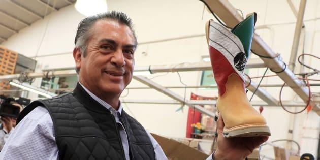 Jaime Rodríguez Calderón, El Bronco, candidato independiente a la Presidencia de la República, visita una fábrica de botas, en León, el 9 de mayo de 2018.