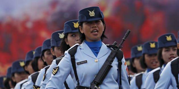 インドネシア空軍の女性隊員
