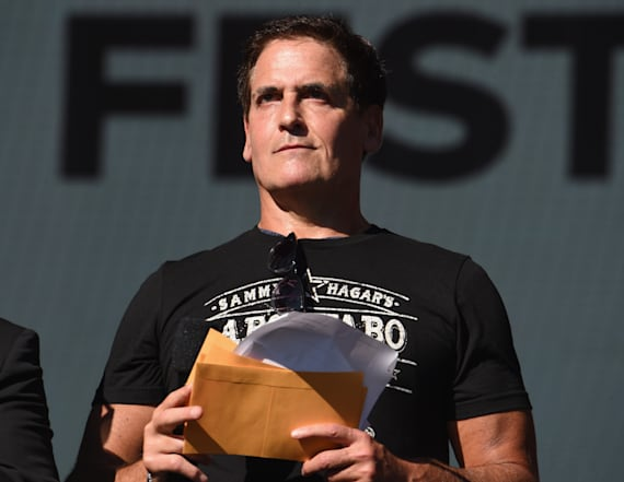 Mark Cuban slams Trump over tweets about NFL