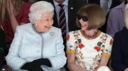 La reine Elisabeth II a assisté à sa première Fashion