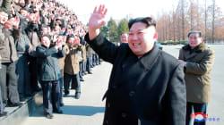 Un défilé militaire à Pyongyang à la veille des Jeux
