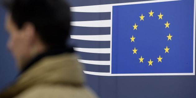 Commissione Ue: in Italia rischi da incertezza politica e banche