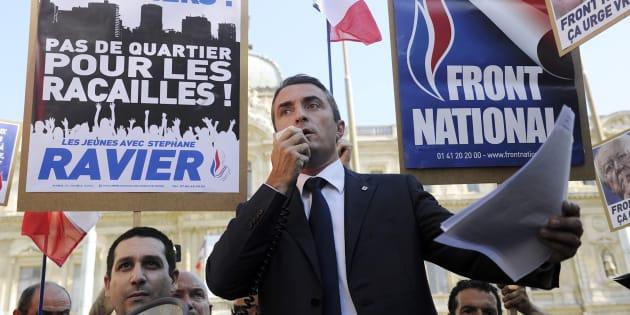 Un élu frontiste marseillais accuse le sénateur Stéphane Ravier (photo) de l'avoir forcé à démissionner sous violence et les menaces.