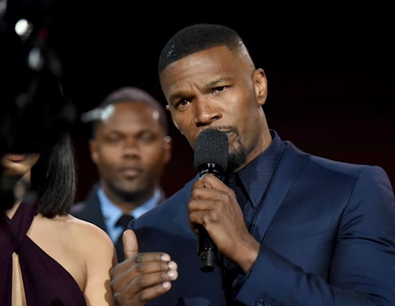 Jamie Foxx opens 2017 AMAs with gorgeous daughter