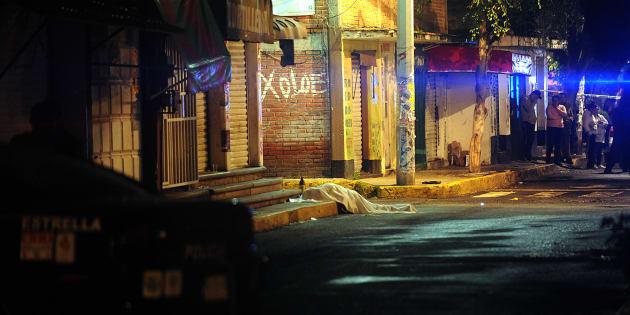 De acuerdo con Semáforo Delictivo, 80% de los homicidios en el país son por el control del mercado de drogas.