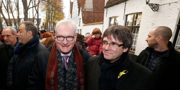 Carles Puigdemont y el senador de la N-VA Pol Van Den Driessche, de visita en Brujas el pasado noviembre.