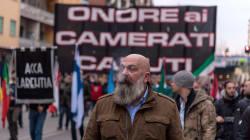Il fascismo di CasaPound è un fake, i lavoratori si tengano alla