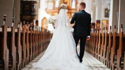 Les mariés n'ont pas intérêt à être en retard avec ce vicaire
