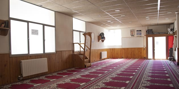 Vista del interior de la mezquita Islámica Annour de Ripoll, en la que predicaba el imán Abdelbaki Es Satty, cabecilla de la célula.