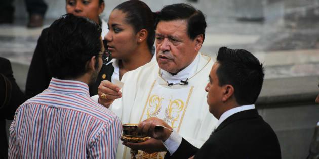 Presentan denuncia contra Norberto Rivera ante la PGR