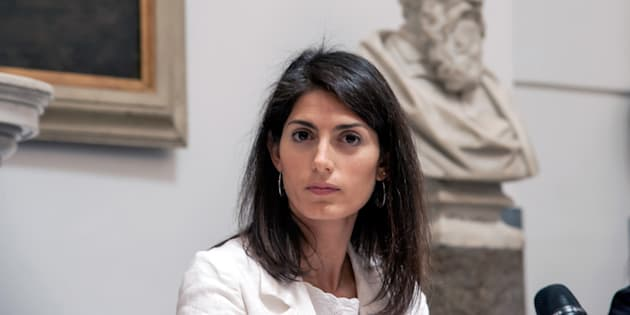 Roma, inchiesta nomine: sindaca Virginia Raggi rischia processo