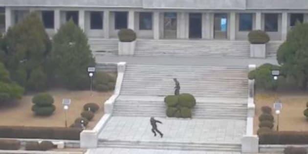 Le soldat nord-coréen qui a fait défection en novembre avait commis un meurtre.
