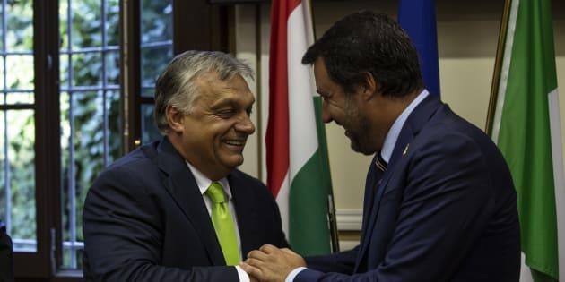 Matteo Salvini da Viktor Orban il 2 maggio: un gancio nel Ppe per l'intesa popolari-populisti | L'Huffington Post