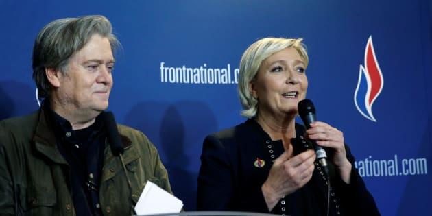 Marine Le Pen aux côtés de Steve Bannon lors du Congrès Front national à Lille.