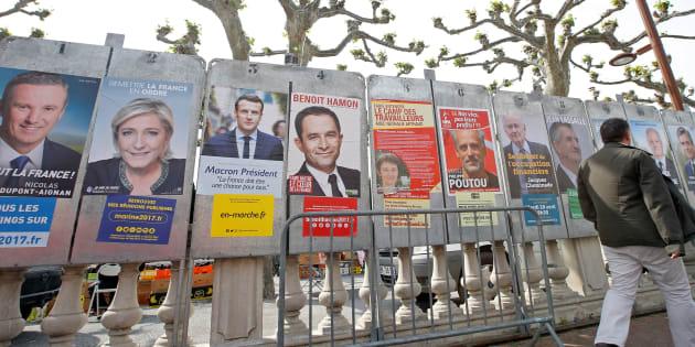 Les affiches des candidats pendant la campagne présidentielle de 2017.