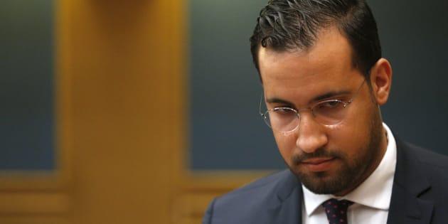 Alexandre Benalla, ici le 19 septembre devant la commission des lois du Sénat, est mis en examen une nouvelle fois pour des violences le 1er mai à Paris.