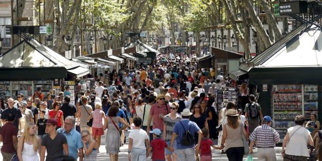 Un attentat a eu lieu sur Les Ramblas, l'équivalent barcelonnais des Champs-Elysées.