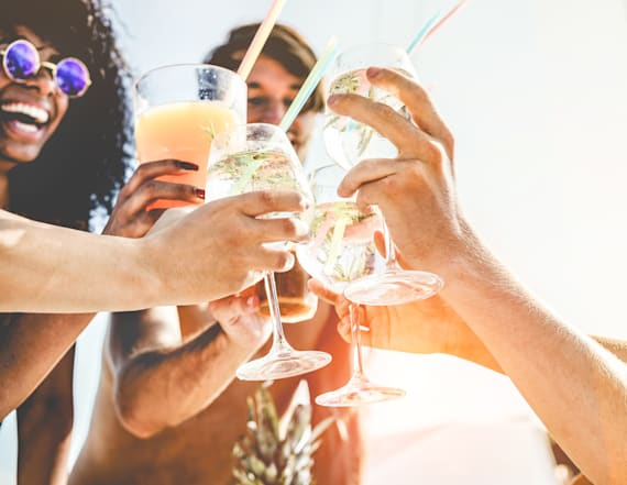 The best alcoholic beverages to serve this summer