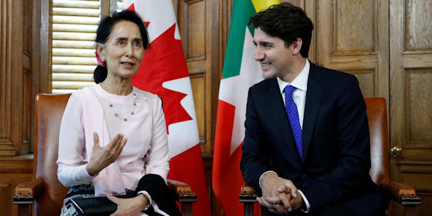 Prime Minister Justin Trudeau listens to Myanmar State Counsellor Aung San Suu Kyi speak during a meeting in Ottawa on June 7, 2017.