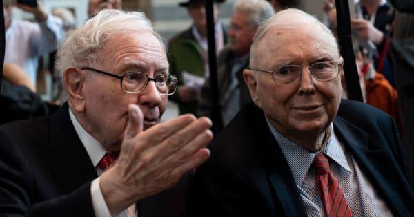 Warren Buffett's Berkshire Hathaway boosts its stake in Amazon to more than $1 billion