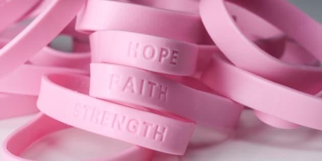 En ce mois d'octobre rose, je n'oublie pas toutes mes «pink friends», mes copines de cancer, celles qui en ont terminé avec les traitements, celles qui le sont toujours et celles qui sont parties trop tôt.