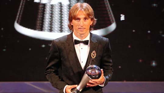 クロアチア主将・モドリッチ、FIFAのMVP初受賞 ロナルドとメッシ以外の選手で11年ぶり