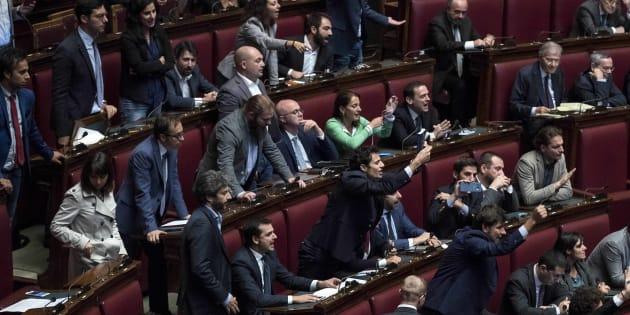 Toninelli (M5s): fiducia su legge elettorale? È atto eversivo