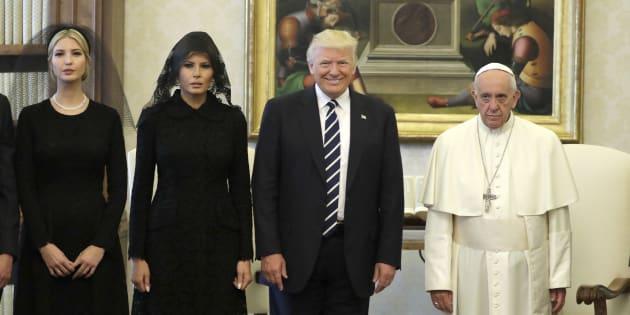 Risultati immagini per papa con trump