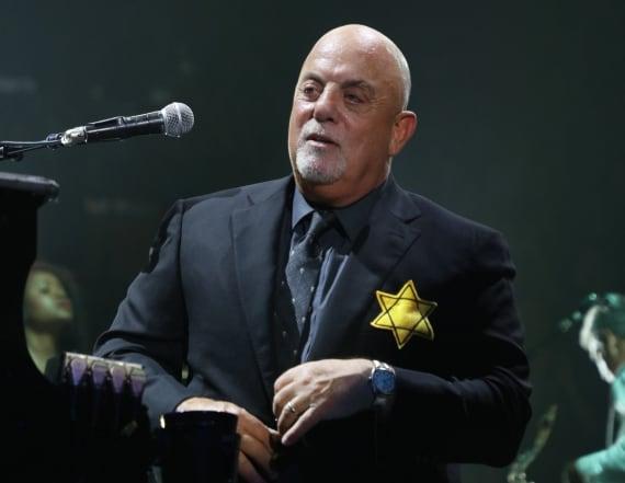 Billy Joel wears Star of David to protest neo-Nazis