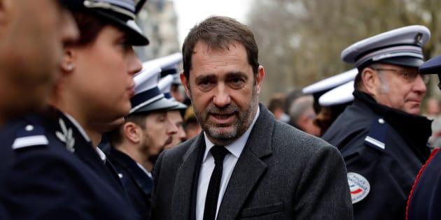 """En plein """"acte XIII"""", le ministre de l'Intérieur Christophe Castaner a établi un lien entre des gilets jaunes et ces """"quelques personnes qui cherchent à attaquer comme ils l'ont fait le domicile privé"""" du président de l'Assemblée."""