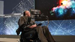Stephen Hawking sta con i laburisti: