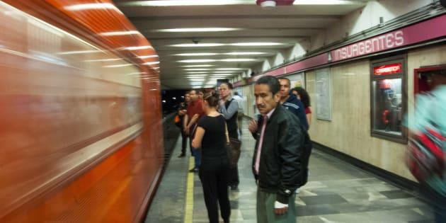 Hombre muere en el metro, pensaron que dormía