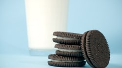 This Is How Long You Should Dunk Your Oreo In Milk For, According To