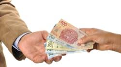 Los burócratas mexicanos son mejor pagados que los suizos, franceses,