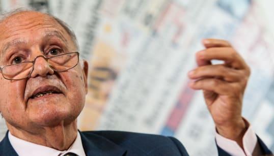 SAVONA SI SENTE IGNORATO - Il ministro denuncia la totale mancanza di dialogo di